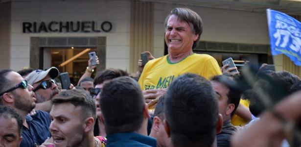 6.set.2018 - Jair Bolsonaro (PSL) é esfaqueado durante ato de campanha