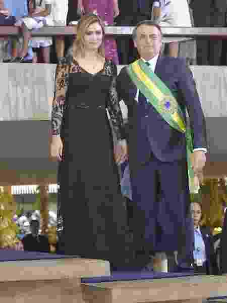 1º.jan.2019 - Presidente Jair Bolsonaro chega para coquetel no Palácio do Itamaraty ao lado da primeira-dama, Michelle, e do chanceler, Ernesto Araújo - Marcos Brandão/Senado Federal - Marcos Brandão/Senado Federal