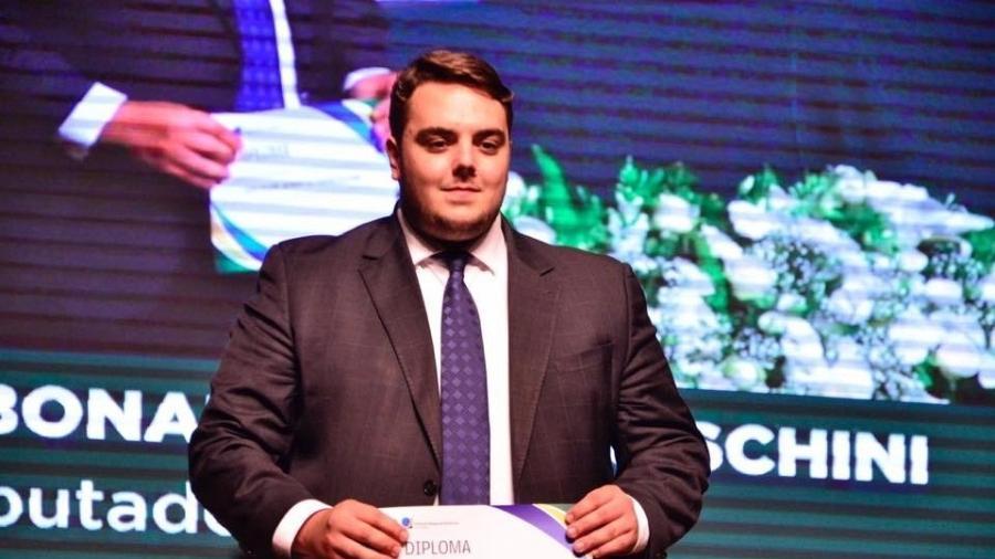 20.dez.2018 - Felipe Francischini durante sua cerimônia de diplomação como deputado - Reprodução/Facebook