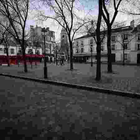 Ruas de Paris ficaram vazias com pandemia de covid-19 - JOEL SAGET / AFP