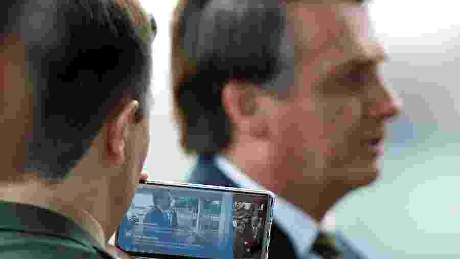 Presidente Jair Bolsonaro na saída do Palácio da Alvorada - ADRIANO MACHADO