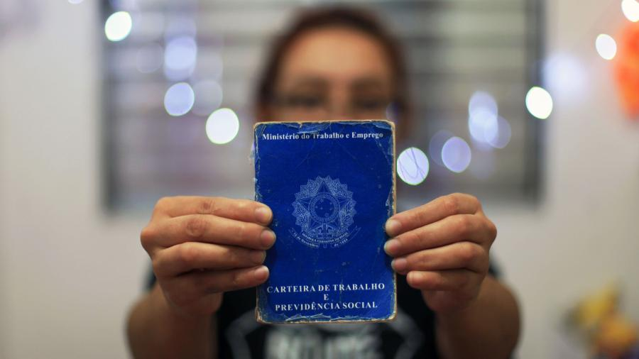 O IBGE estimou a população desempregada em 13,5 milhões de pessoas na segunda semana de setembro - Adailton Damasceno/Futura Press/Estadão Conteúdo