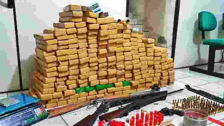 Apreensão de drogas e armas em Blumenau (SC) - Polícia Militar de SC/Divulgação - Polícia Militar de SC/Divulgação