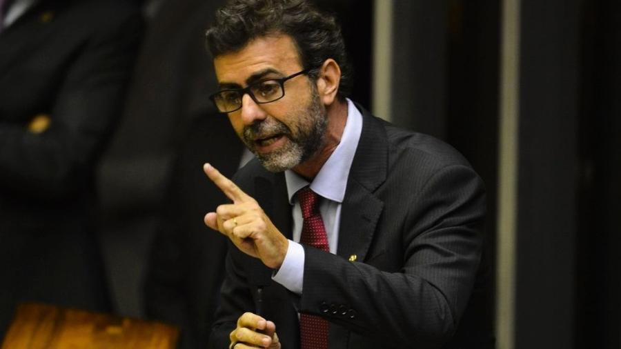 """Deputado Marcelo Freixo diz que depoimentos de ex-ministros da Saúde """"são provas cabais"""" de que o presidente Jair Bolsonaro cometeu crime contra a saúde pública - Valter Campanato/Agência Brasil"""