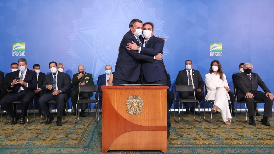Jair Bolsonaro e Ciro Nogueira em posse do novo ministro - Isac Nóbrega/PR