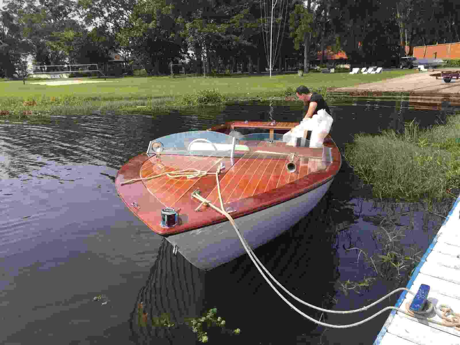 Lancha restaurada da empresa Vintage Boats - Divulgação