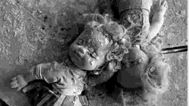 26.abr.2016 - Pelo menos 116 mil pessoas foram evacuadas às pressas da cidade de Pripyat. Trinta anos depois da explosão de um de seus reatores, em 26 de abril de 1986, uma zona de exclusão ainda vigora ao redor da usina nuclear de Tchernóbil, na Ucrânia - então, uma das repúblicas da antiga União Soviética - Jerzy Wierzbicki/BBC