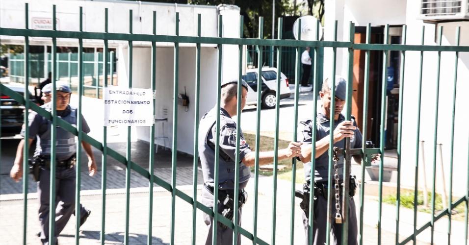 4.mai.2016 - O presidente da Alesp (Assembleia Legislativa de São Paulo), Fernando Capez, decretou ponto facultativo nesta quarta. ele também isolou a Alesp na intenção de cansar o movimento dos secundaristas que ocupam o prédio desde o dia 3