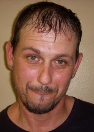Travis Scott Pratt, 39, foi traído pela cerveja