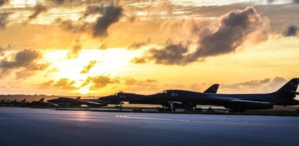 B-1B Lancers da Força Aérea dos EUA na base de Guam