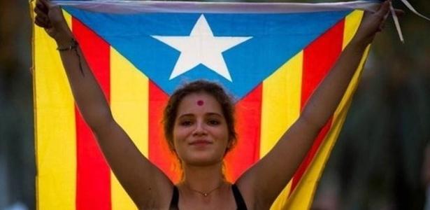 Crise política na Espanha levou manifestantes às ruas para defender a realização do plebiscito pela independência da Catalunha