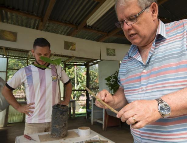 Wilbert Phillips-Mora (dir.), chefe do Programa de Melhoria Genética do Cacau no CATIE, na Costa Rica