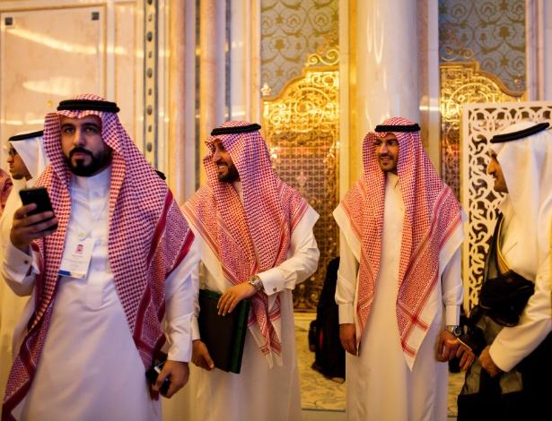 Visitantes da conferência de Iniciativa de Investimento Futuro, em Riad, na Arábia Saudita - TASNEEM ALSULTAN/NYT