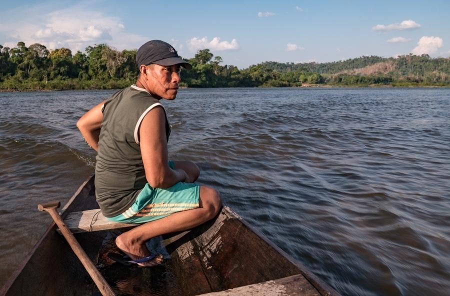 A pesca no rio Iriri (PA) é a principal fonte de renda e subsistência dos índios araras; tribos foram afetadas pela construção da usina de Belo Monte
