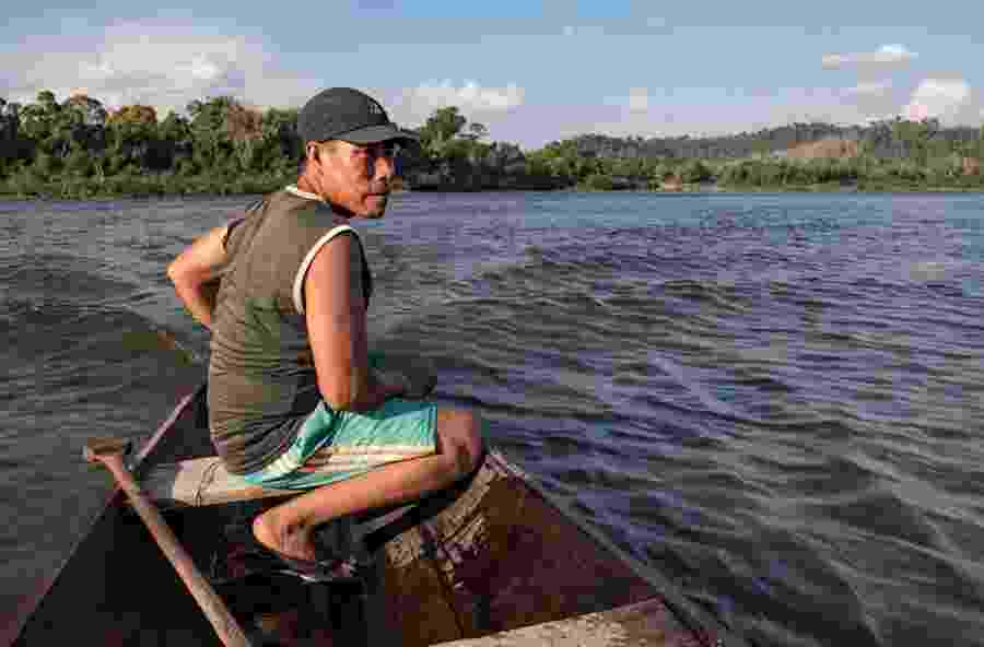 A pesca no rio Iriri (PA) é a principal fonte de renda e subsistência dos índios araras; tribos foram afetadas pela construção da usina de Belo Monte - Iuri Barcelos/Agência Pública