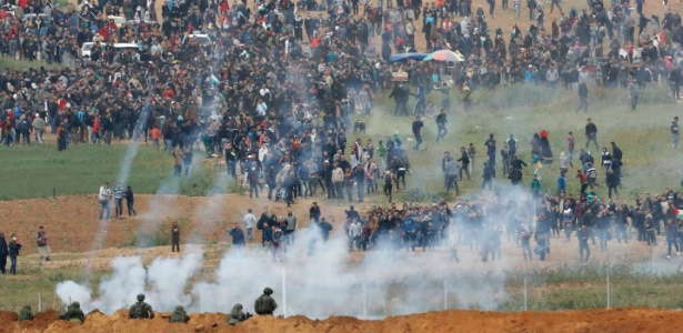 Protesto de palestinos na fronteira de Gaza - Jack Guez/AFP Photo