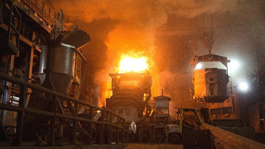Caldeira derrete armas de fogo em fábrica da Gerdau Long Steel North America - Jenn Ackerman/The New York Times