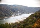Um dos principais rios da Alemanha, o Reno está debilitado por causa da seca (Foto: Gordon Welters/The New York Times)