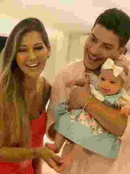Mayra Cardi e Arthur Aguiar mostram rosto de filha - Reprodução/Instagram Rodrigo Soar