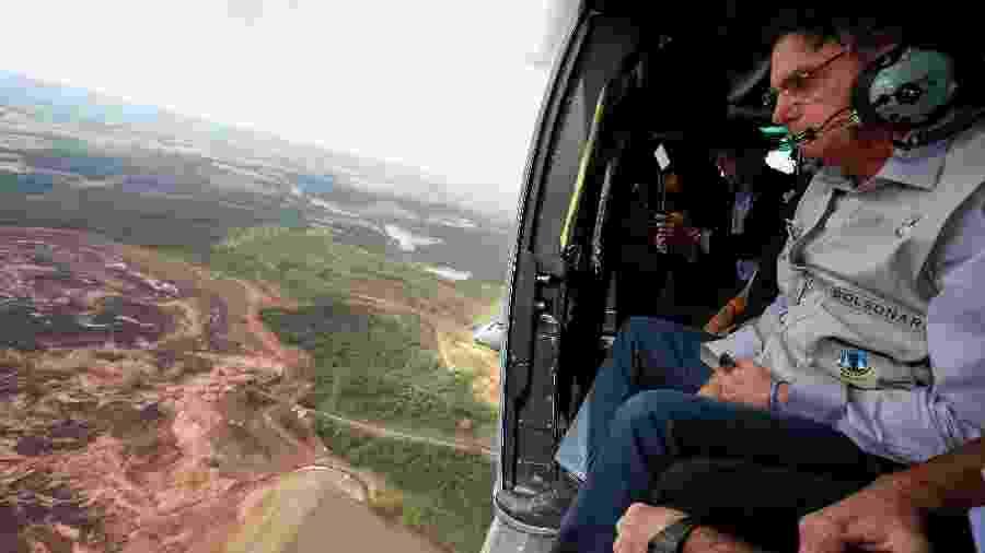 Bolsonaro sobrevoa a região atingida pelo rompimento de uma barragem em Brumadinho (MG) - Isac Nóbrega/Presidência da República