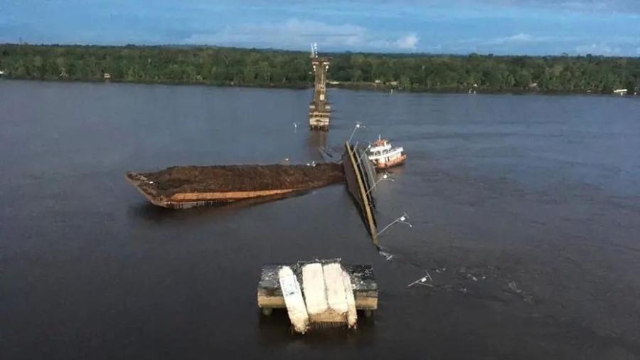 Resultado de imagem para Balsa que derrubou ponte no Pará