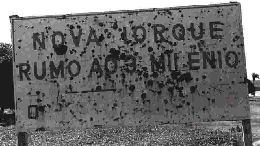 Placa posicionada na entrada da Nova Iorque maranhense, cidade que teme ser extinta - Helen Lopes