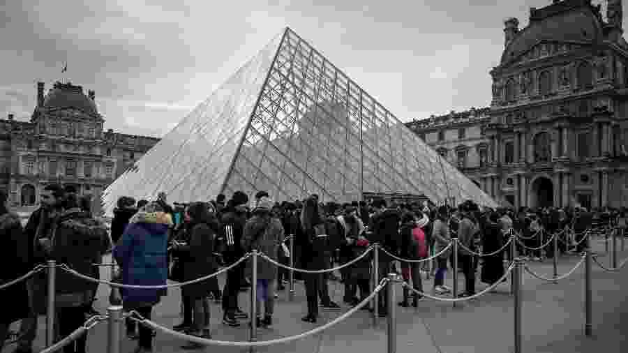 Desde o início da quarentena, as visitas ao site do Museu do Louvre passaram de 40.000 para 400.000 visitas por dia - Philippe Lopez/AFP