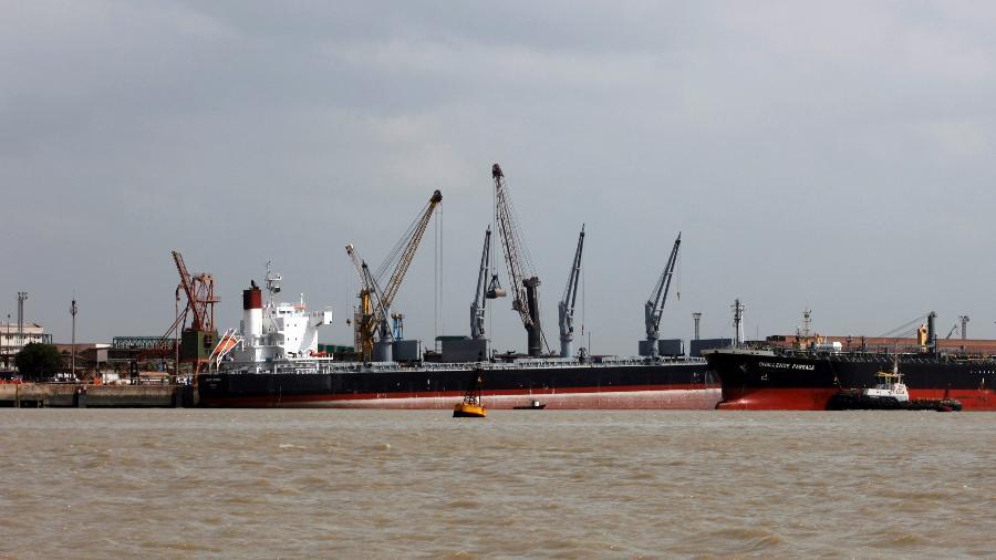 Vista do porto de Itaqui, em São Luís (MA) - Paulo Whitaker