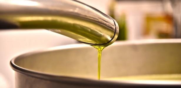 Apreendidas em rede de mercado   Agricultura descarta azeite de oliva adulterado no NE