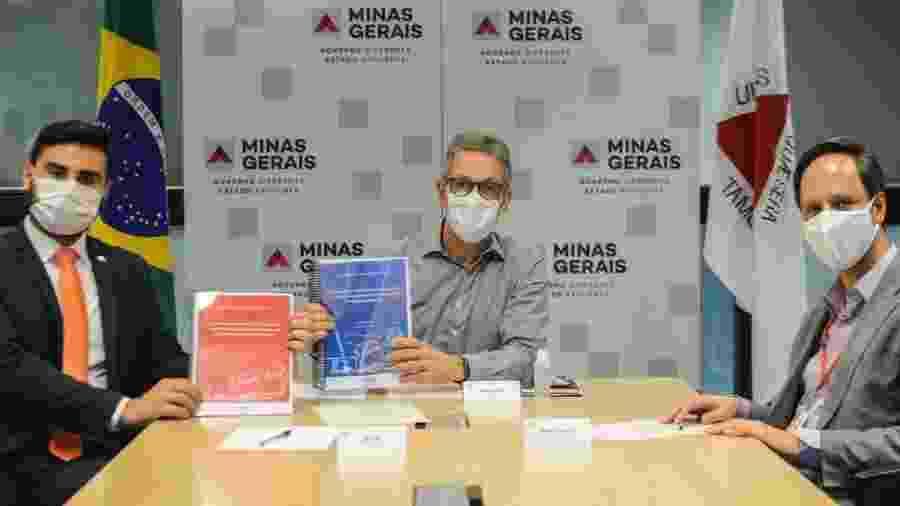 09.jul.2020 - O governador de Minas Gerais, Romeu Zema (Novo), ao centro, em sessão virtual com deputados estaduais - Divulgação/Governo de Minas Gerais