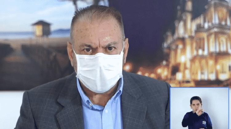 O prefeito de Itajaí (SC), Volnei Morastoni (MDB), avalia a aplicação de ozônio como tratamento para o novo coronavírus - Reprodução/Facebook/Prefeitura Itajaí - Reprodução/Facebook/Prefeitura Itajaí