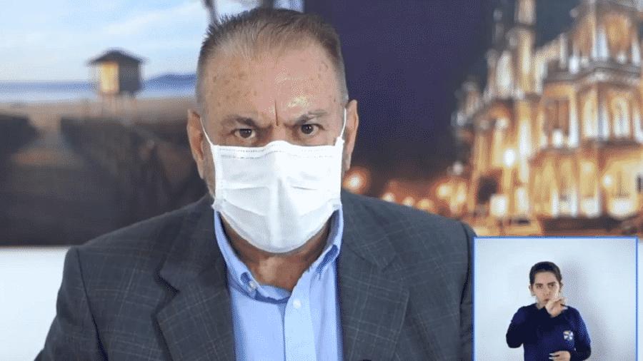 O prefeito de Itajaí (SC), Volnei Morastoni (MDB), avalia a aplicação de ozônio como tratamento para o novo coronavírus - Reprodução/Facebook/Prefeitura Itajaí