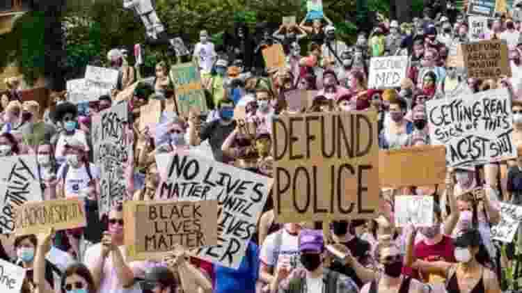 Caso George Floyd provocou protestos nos Estados Unidos que pedem profunda reforma da polícia - AFP - AFP
