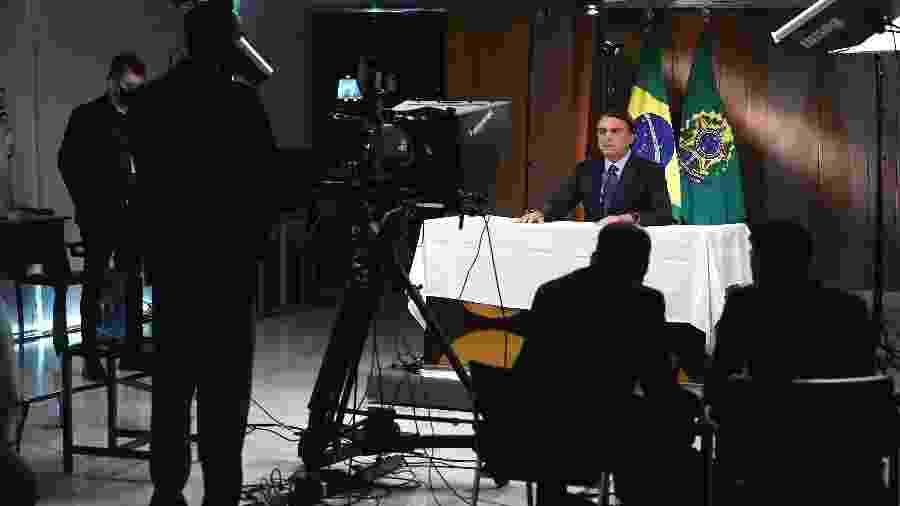 Bolsonaro em mais uma tentativa de fabricar a imagem do Brasil - Marcos Corrêa/PR