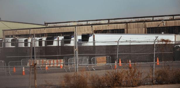 Vítimas da covid   Corpos estão há meses em caminhões frigoríficos em NY