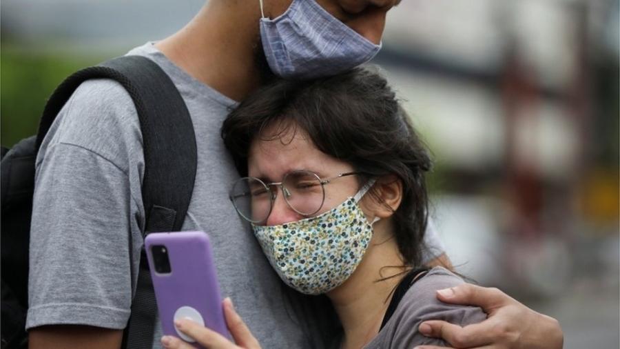 Sistema de saúde de Manaus vive colapso - Reuters