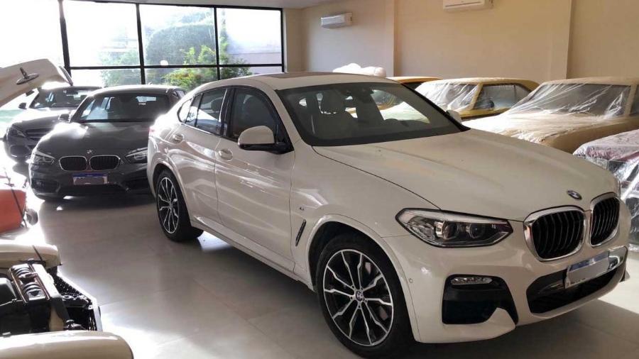 Carros de luxo são apreendidos na Operação Predestinado, que investiga superfaturamento de contratos da UniRio - Divulgação/Polícia Federal