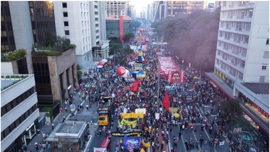 Protesto na Avenida Paulista, em São Paulo, no sábado, dia 24 de julho: em favor do impeachment de Bolsonaro e contra ameaças golpistas - Ronaldo Silva/Futura Press/Estadão Conteúdo