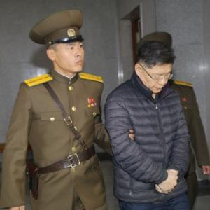 Lim Hyeon-soo, 60, é levado para audiência judicial em Pyongyang, na Coreia do Norte