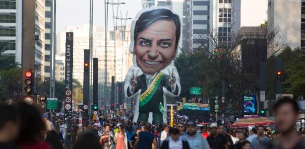No domingo (9), manifestantes participam de ato à favor de Bolsonaro na avenida Paulista, em São Paulo