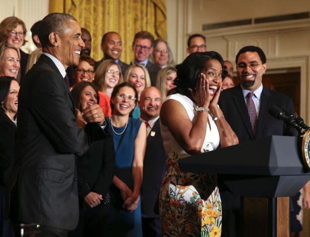 Jahana Hayes reage durante uma cerimônia em que foi nomeada Professora Nacional do Ano de 2016 pelo presidente Barack Obama