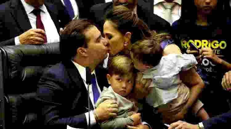 O presidente da Câmara, Rodrigo Maia (DEM-RJ), tem passaporte para mulher e 5 filhos - Ernesto Rodrigues/Estadão Conteúdo