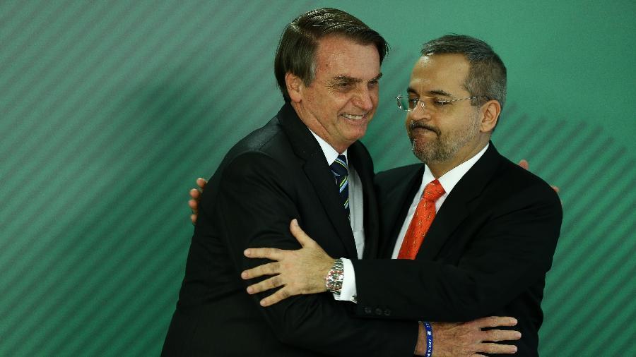 09.abr.2019 -O presidente Jair Bolsonaro (PSL) e o ministro da Educação, Abraham Weintraub - Pedro Ladeira/Folhapress