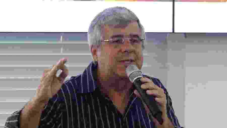 13.ago.2019 - O jornalista Paulo Fona, exonerado do cargo de secretário de imprensa do presidente Jair Bolsonaro (PSL), quando era secretário de Comunicação do Distrito Federal, em 2017 - Dênio Simões/Agência Brasília