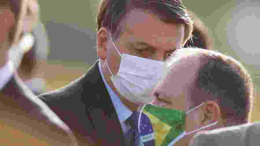 Presidente Jair Bolsonaro e ministro interino da Saúde, Eduardo Pazuello - Adriano Machado