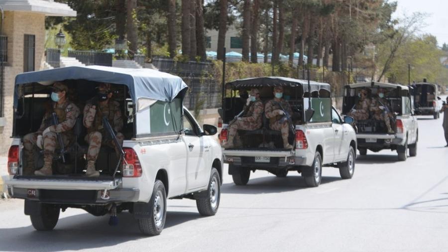 Jornalistas mostravam zona de quarentena insalubre na província do Baluchistão - Din Muhammad Watanpaal/Pacific Press/LightRocket via Getty Images