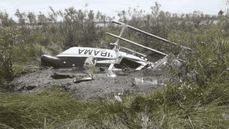 Helicópetero do Ibama caiu em Poconé (MT). O coronel do Corpo de Bombeiros do Pará, Mauro Tadeu, que pilotava a aeronave no momento, não resistiu e morreu no local - Ciopaer
