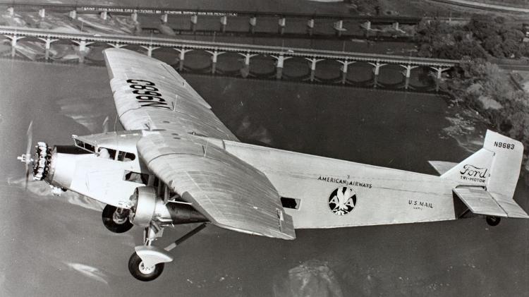 Trimotore 5-AT-B, prodotto da Ford - Museo dell'Aria e dello Spazio di San Diego - Museo dell'Aria e dello Spazio di San Diego