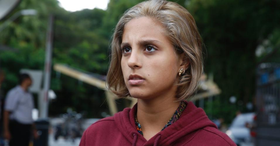 """6.nov.2016 - A carioca Aléssia Gorrochotegui, 16, afirmou ter considerado o tema da redação do Enem """"mais tranquilo"""" do que esperava. """"Imaginei várias coisas. Crise hídrica, transformações urbanas... Dá para dizer que foi um tema mais tranquilo"""", comentou ela, que está no segundo ano do ensino médio e fez o exame apenas como um """"teste"""". """"Chutei muita coisa que eu não sabia. Mas valeu pela experiência. Ano que vem será para valer"""", afirmou a jovem, cuja meta é cursar relações internacionais"""