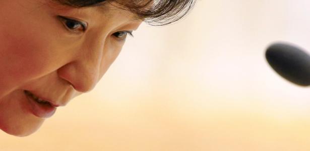A presidente sul-coreana Park Geun-hye é acusada de tráfico de influência